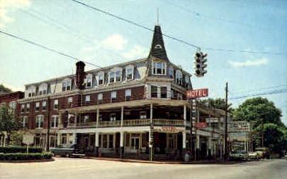 Hotel Washington  - Berkeley Springs, West Virginia WV Postcard