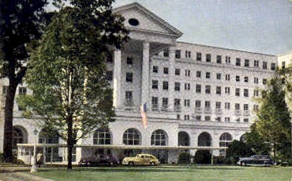 The New Greenbrier & Cottages - White Sulphur Springs, West Virginia WV Postcard