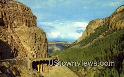 Golden Gate - Yellowstone National Park, Wyoming WY Postcard