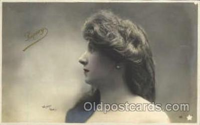 wom001126 - Woman Postcard Postcards