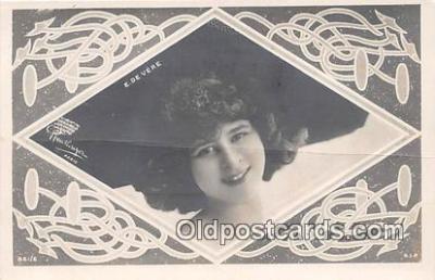 wom001421 - E De Vere  Postcard Post Card