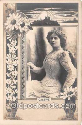 wom001556 - Cassive Reutlinger Postcard Post Card