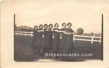 wis002028 - Woman in Sports Artist Signed Postcard