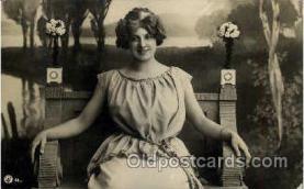 wom001120 - Woman Postcard Postcards